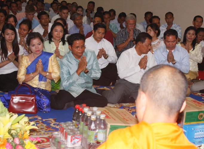 Cambodian Mine Action Centre (CMAC) Celebrated Khmer New Year 2558